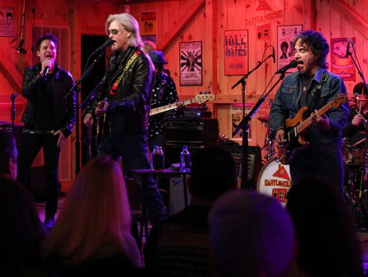HALL AND OATES WITH TRAIN