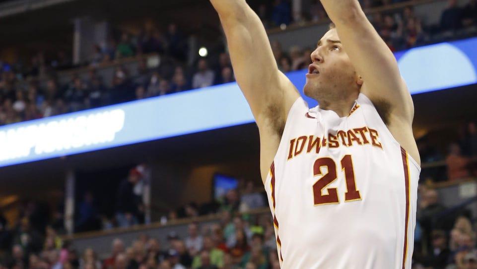 Iowa State guard Matt Thomas (21) shoots for a three-pointer
