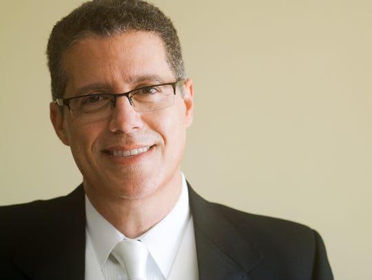 Jose Daniel Flores-Caraballo directs the Vermont Symphony