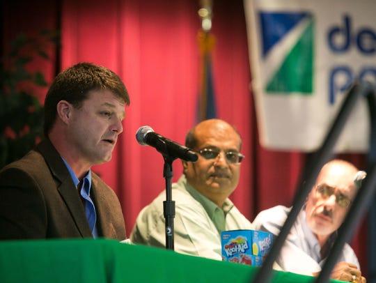 Justin Cressler (left) plant manager at Kraft Heinz