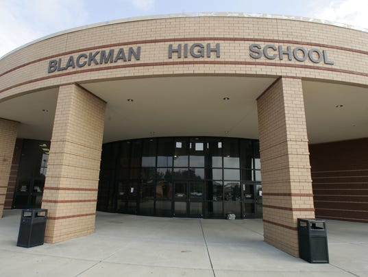 635761955155322830-0828-blackmanhighschool