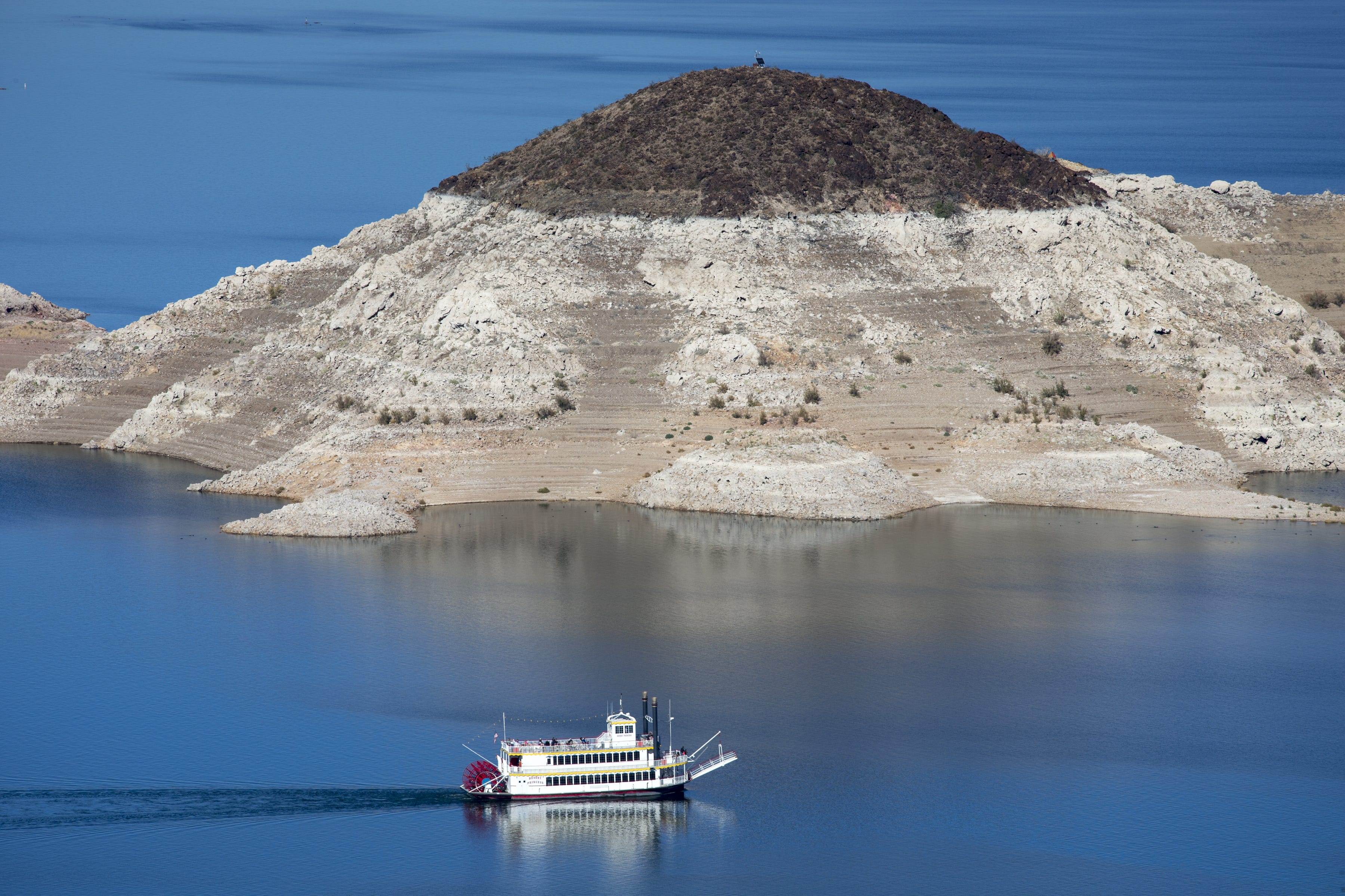 Drought Lowers Lake Mead : Feature Articles