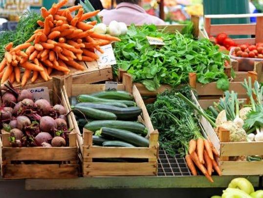 Should Schools Serve Organic Food