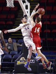 Irondequoit's Jeremiah Zitz, left, defends against Jamesville-Dewitt's Buddy Boeheim, who finished with 25 points in the Class A state semifinal.
