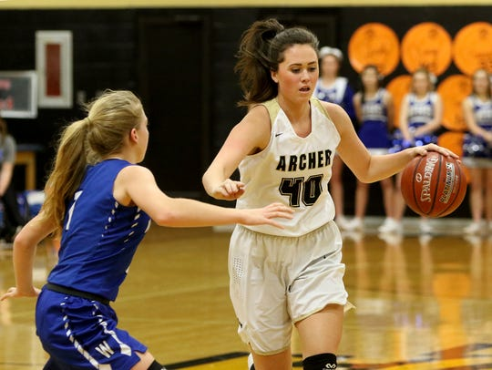 Archer City's Kacey Hasley gets into position while