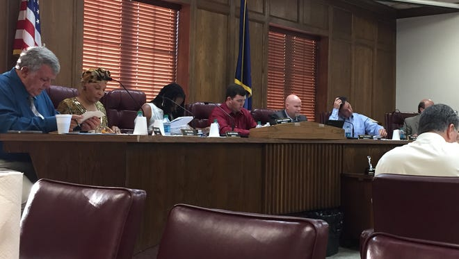 The Ouachita Parish Police Jury opted to keep the parish under a burn advisory on Monday at its regular meeting.