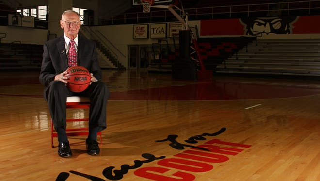 The court at Austin Peay's Dunn Center was named in honor of men's basketball coach Dave Loos in 2007.