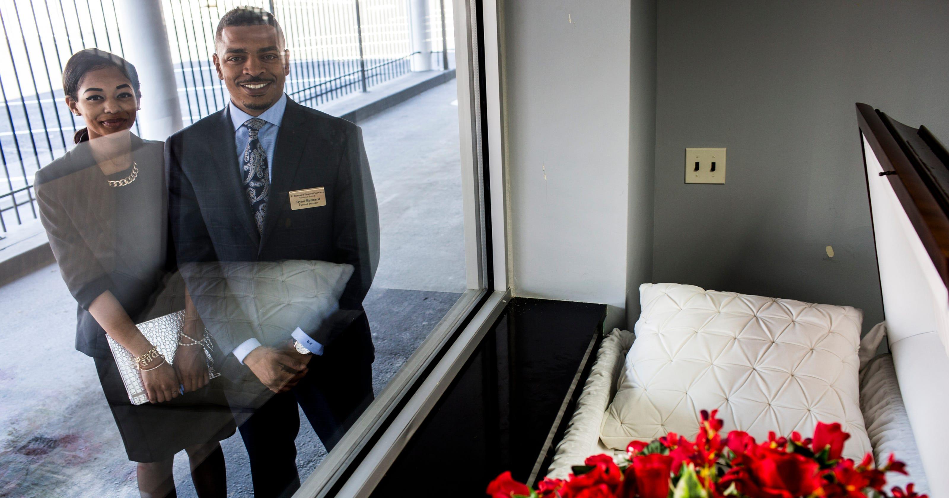 Funeral home in orange mound offers drive thru viewing izmirmasajfo