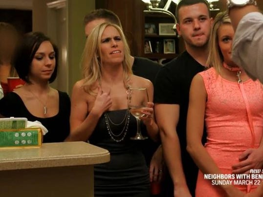 2 hotties swap their couples in this xxx reality showmeseason1ep102 - 2 5