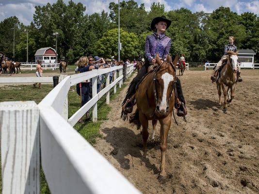 PTH0720 FAIR HORSE SHOW