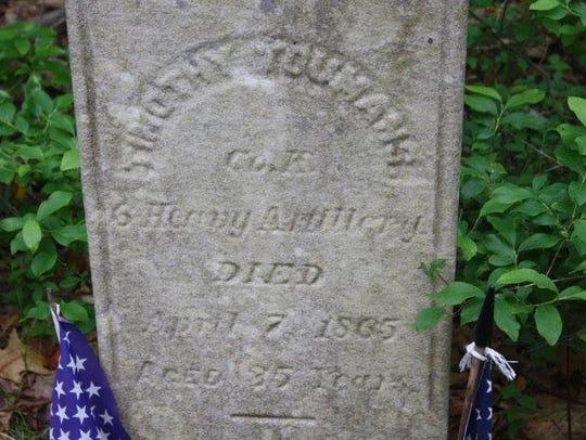 The grave of Civil War veteran Timothy Youmans just
