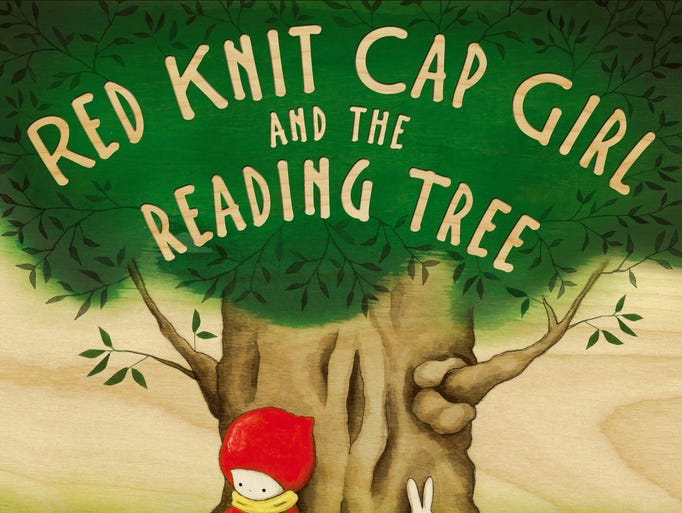 Cover of the book 'Red Knit Cap Girl and the Reading Tree' by Naoko Stoop.