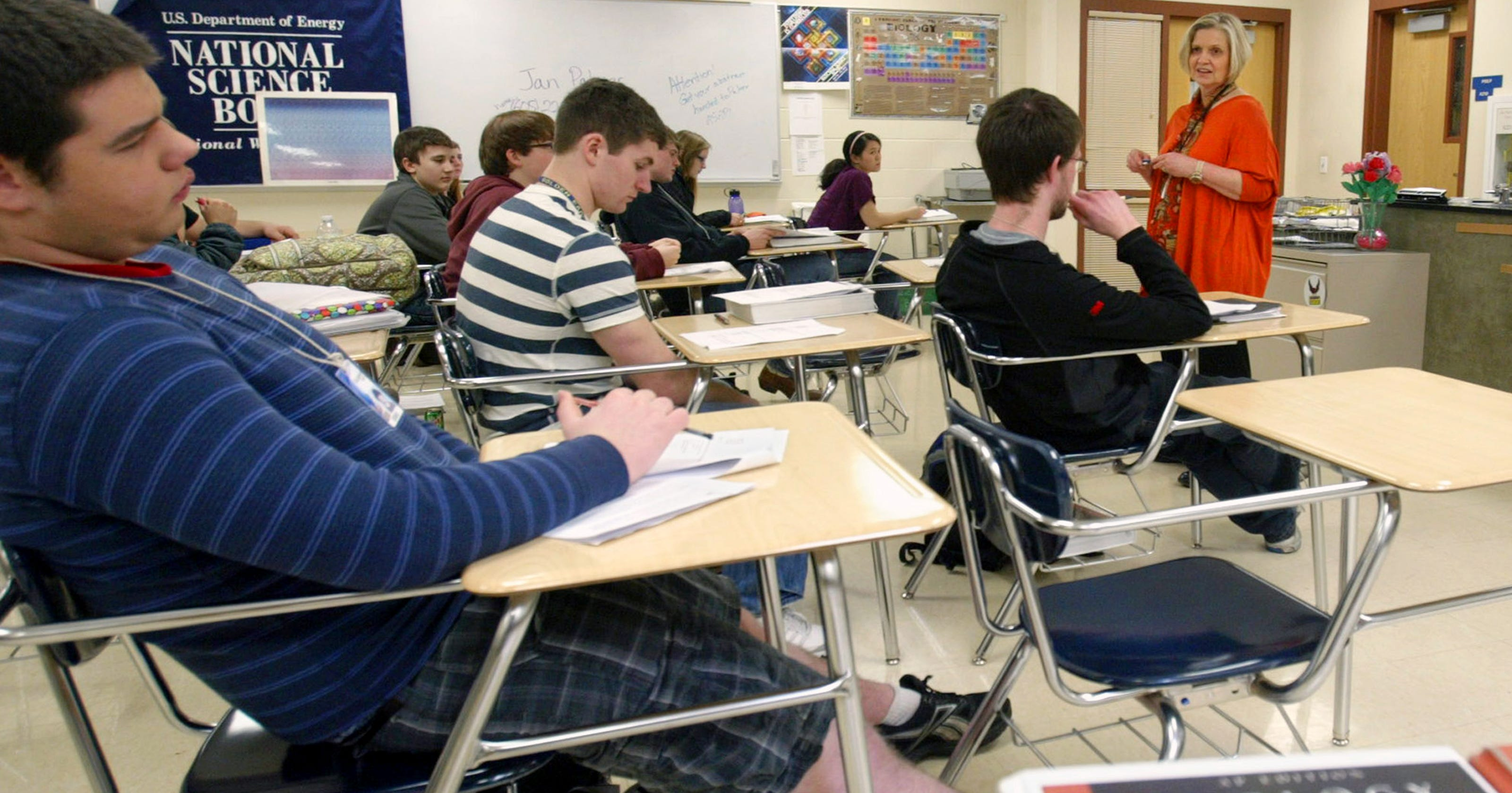 Pediatricians Say Teens Should Sleep In >> The Vast Majority Of Schools Start Before 8 30 A M Which Is