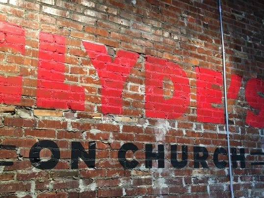 39 adult playground 39 clyde 39 s on church opens for Food bar on church