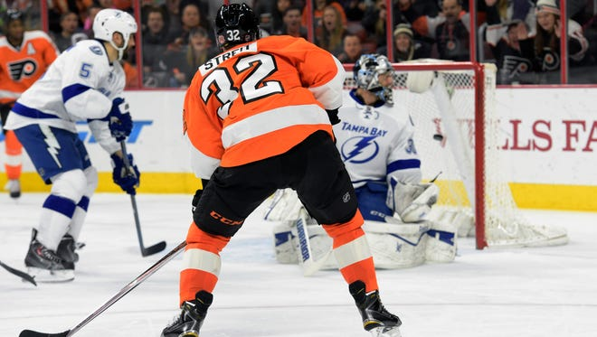 Mark Streit and the Flyers toppled Tampa 7-3 last time the Lightning visited Philly.