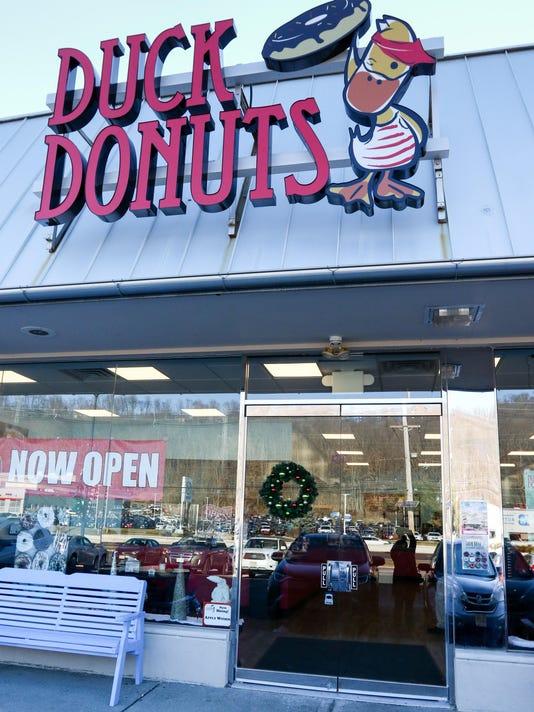BRI EST 0104 Duck Donuts