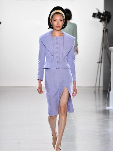 The Chocheng show went for a 1960s vibe with the hair