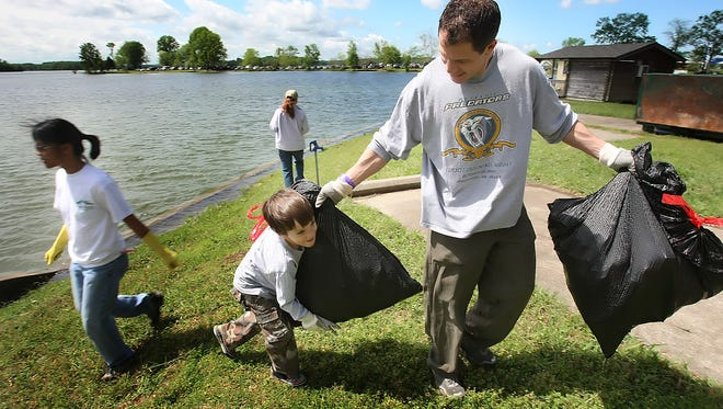 Saturday, April 22, the James River Basin Partnership is inviting citizens to participate in an Earth Day cleanup or tree planting event.
