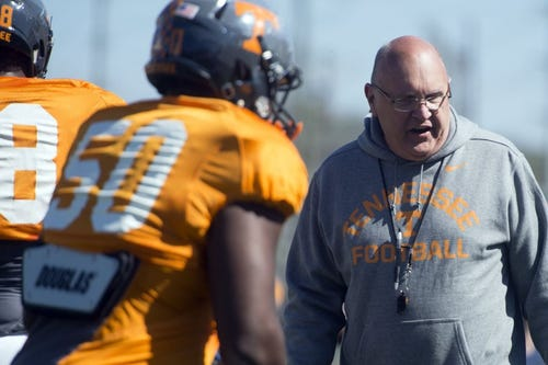 Notebook Closed Tennessee Scrimmage On Saturday Should Define Roles