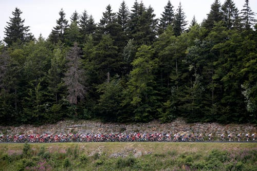 On Brutal Tour Day That Culls 12 Riders, Froome Nonetheless On High