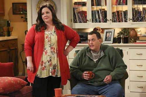 Melissa McCarthy and Billy Gardell in CBS'