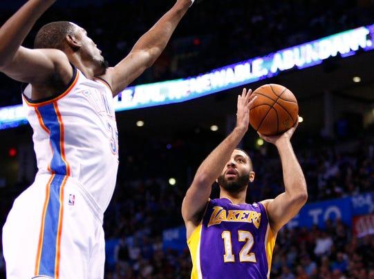 -Lakers-Thunder_Basketball_OKAA106.jpg_20140313.jpg