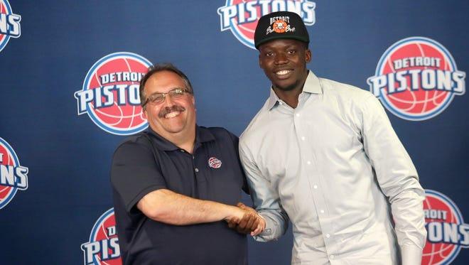 Pistons coach Stan Van Gundy and point guard Reggie Jackson.