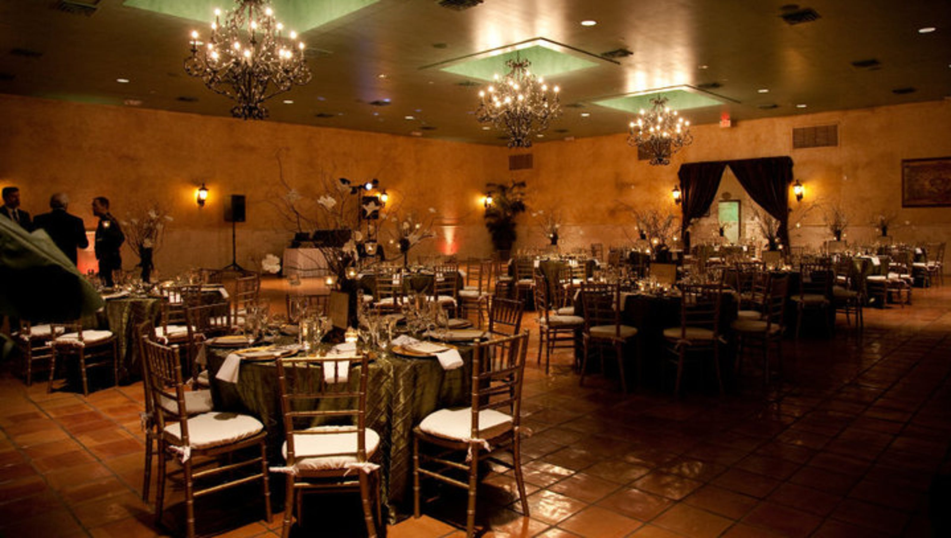 Engaged 12 Wedding Venues In The Southeast Valley