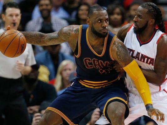 Cavaliers Hawks Basketball (2)