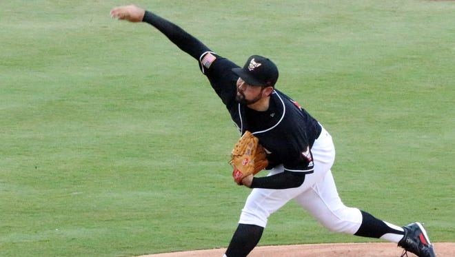 Chihuahuas pitcher Zach Lee in action Thursday night.