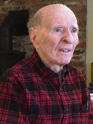 Retired Drake University education professor Desmond Bragg, 97, believes he saw a UFO in 1951 and has studied them ever since.