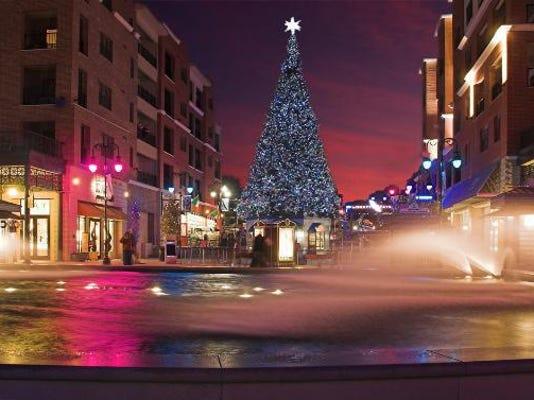 Christmas Tree HCW Branson Landing