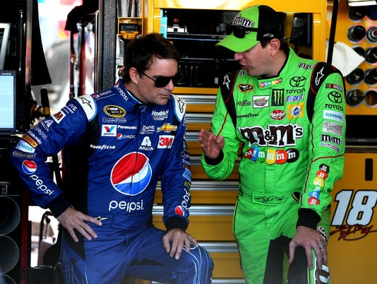 11-16-15-kyle busch-jeff gordon