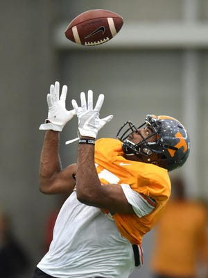Tennessee wide receiver Jauan Jennings catches a pass during spring practice on March 31, 2016, at Anderson Training Center.