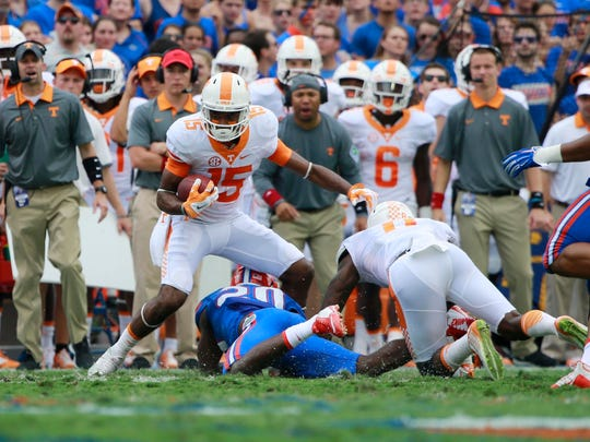 Jauan Jennings (15) had one of two receptions by Vols receivers against Florida.