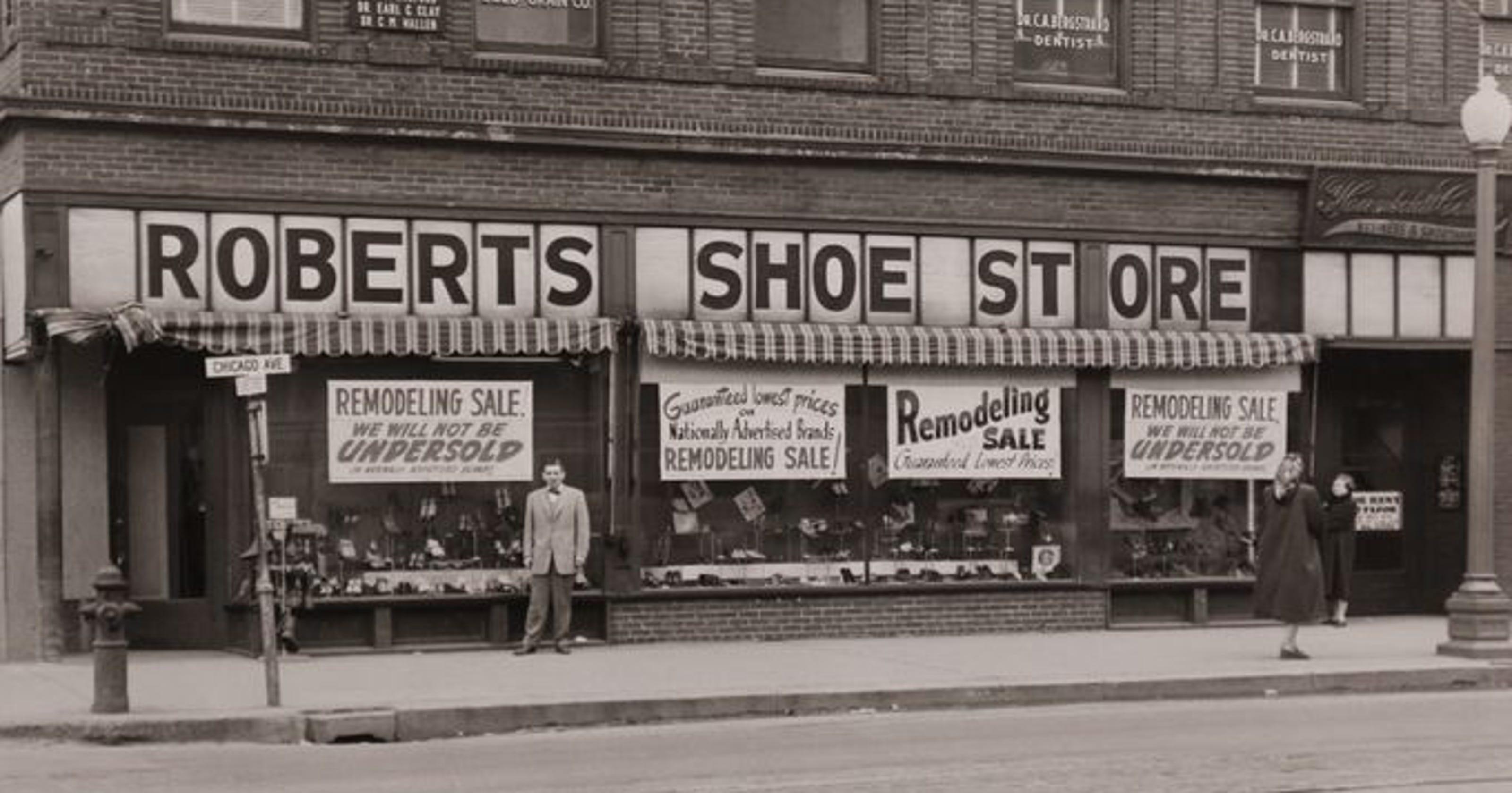 Roberts Shoe Store Closing