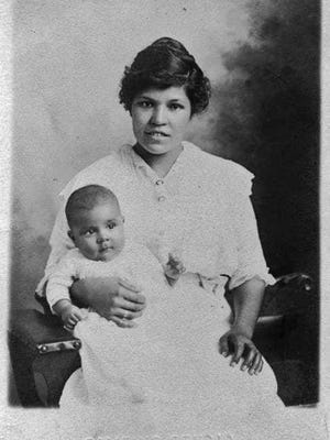 Munsee descendent Grace Almeda Caleb Bittenbender, the wife of Harry Bittenbender, and their son, Rufus Joe Bittenbender, lived in Ottawa. This photo was taken in 1916.
