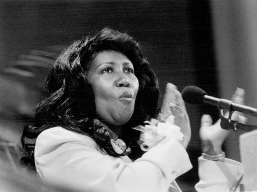 Aretha Franklin speaks at the Freedom Fund dinner in