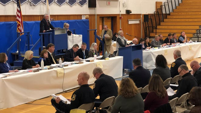 Scituate special Town Meeting will take place at 7 p.m. on Monday, Nov. 16 in the Scituate High School gymnasium. All COVID-19 precautions will be followed.  Masks are mandatory.