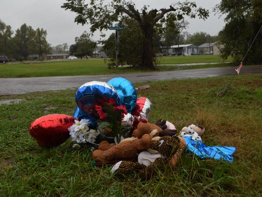 A memorial has been set up on the corner of Martin Luther King Dr. and Taensas Street where six-year-old Jeremy Mardis was killed by City of Marksville marshals. A group from Marksville plans to meet at the site and travel to Hattiesburg, Miss., for his fu
