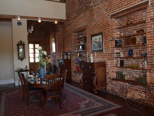 The Ducournau Townhouse located on Front Street in Natchitoches is a bed and breakfast operated by Rick and Mary Ann Nowlin. It is also open for private parties.