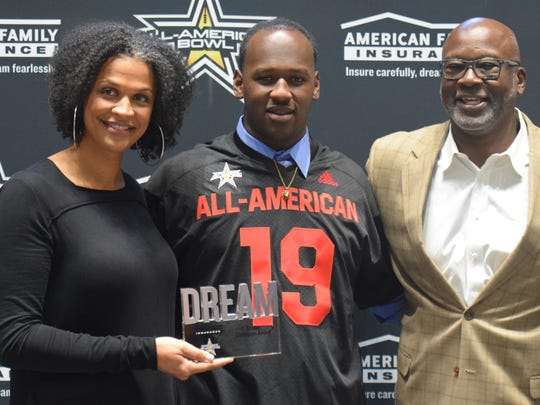 Top Georgia players get All-American jerseys in ceremony at College Football Hall of Fame
