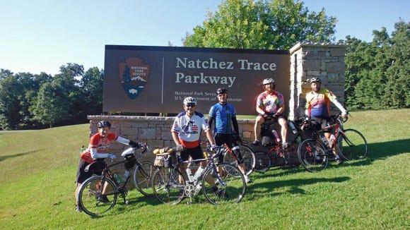 Several randonneurs getting ready for the Natchez Trace 1500k
