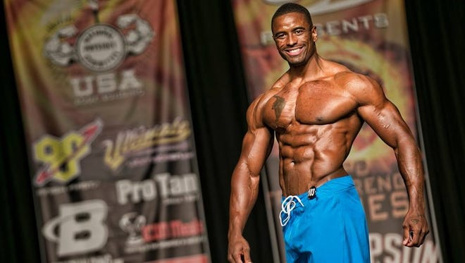 Former FSU receiver Javon Walker making name for himself in bodybuilding.