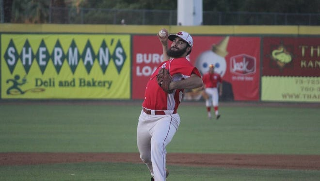 The Palm Springs Power were unable to complete the sweep of the Menlo Park Legends on Sunday night after the Legends relied on clutch hitting and electric pitching to take a 9-2 win.