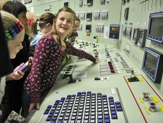 Women in science focus of plant tour