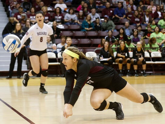 Lily Johnson makes a diving play during Missouri State