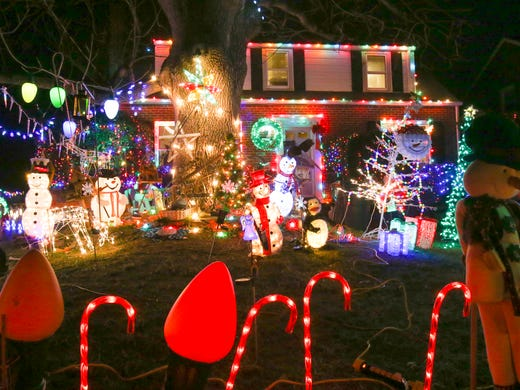303 second avenue lyndalia near newport - Where To Go See Christmas Lights