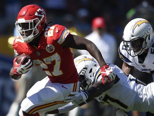 Sep 24, 2017; Carson, CA, USA; Kansas City Chiefs running