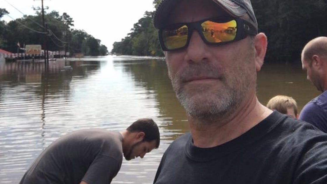 Louisiana's 'Cajun Navy' sets sail in fishing boats to ...